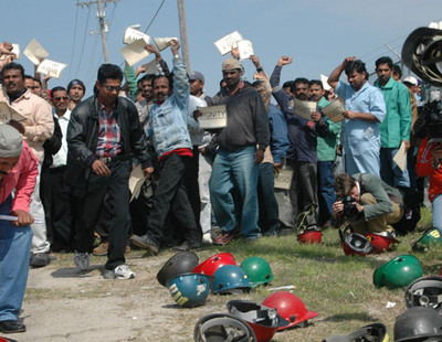 indian_workers_signal_usa1.jpg