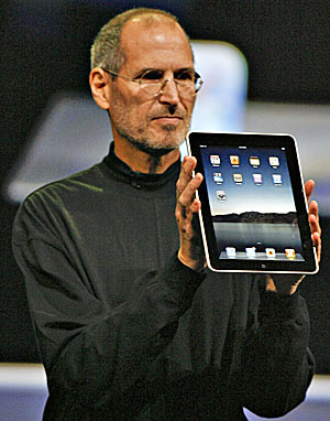 Steve-Jobs-unveils-Apple-ipad.jpg